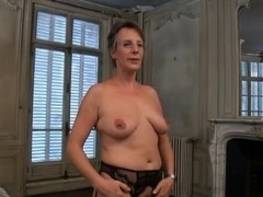 married milf  in the middle of a hot threesome sex video