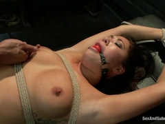 London Keyes & Karlo Karrera in Punished Masseuse - SexAndSubmission