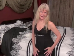 USAWives Rich blonde Lady does striptease