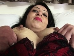 Sexy Arab British MAMA getting in nature's garb and nasty