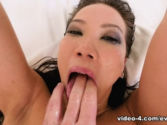 Kalina Ryu & Jonni Darkko in Cream, Lube Funneled Pussy-To-Mouth - EvilAngel