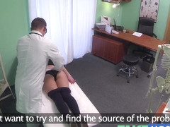 Hawt 20s gymnast tempted by doctor and given creampie on the exam table