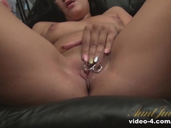 Serenity Knox in Masturbation Movie - AuntJudys