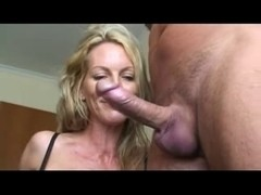 Lucky guy gets a hard blowjob by a sexy MILF slut