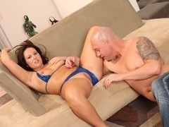 Cami Smalls is a chubby hardcore hussy