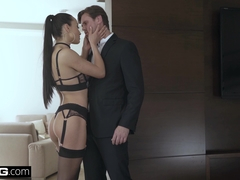 Glamkore - Cheating wife Anna Rose fucks her body guard