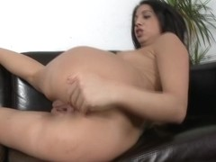 Julia Loves To Get Fucked On Cam!